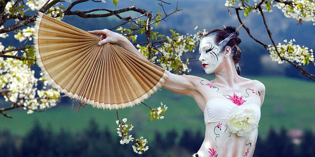spectacle sur mesure - primitive geisha
